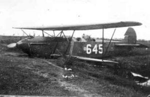1940-05-12 Fokker CV 645 in sloot (bron WWW)