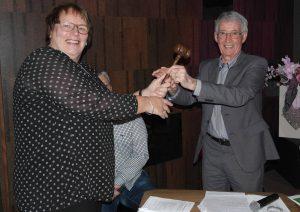 Riet Miedema - Jorink nam op 16 februari 2016 de voorzittershamer over van Rein Koolen