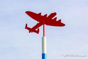 Herdenkingspaal gecrashte vliegtuigen WO2 Noordoostpolder